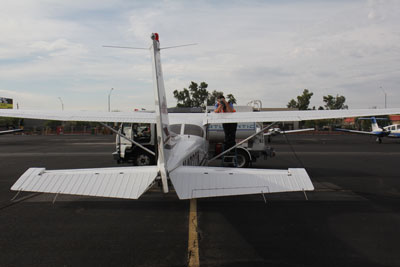 Topping up the Cessna