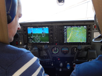 Cessna 182 Cockpit with G1000