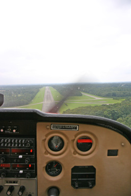 Final approach runway 25 at Ursel (EBUL)