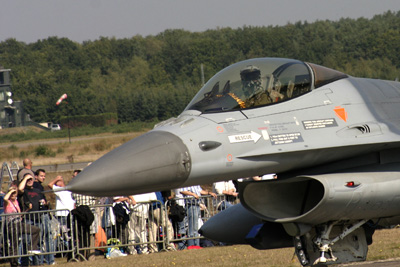 Nose F-16