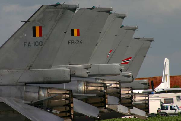 F16 tails