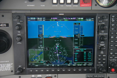 Foto-1-G1000-cockpit-met-synthetic-vision