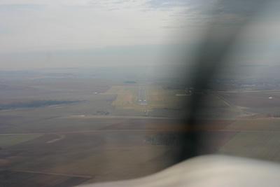 Established ILS runway 27 at Albert Bray LFAQ