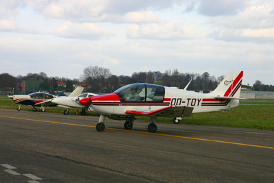 Robin OO-TOY on the flight line