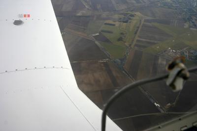 Vitry en Artois airfield (LFQS) below the wing