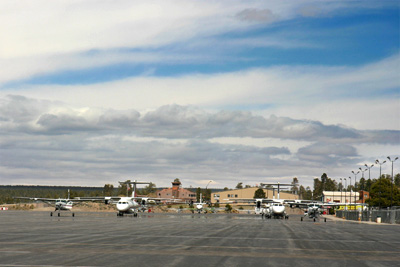 Grand Canyon Airport tourist airplanes