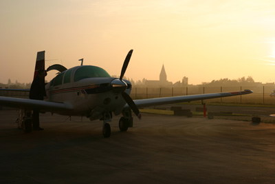 Mooney in the morning light in Lille LFQQ