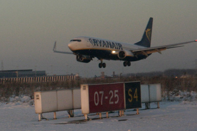 The second Ryanair about to go-around